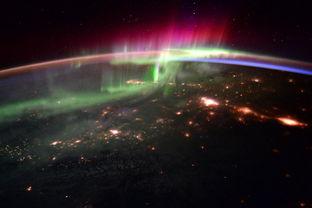 停留太空最久 美国人返回地球