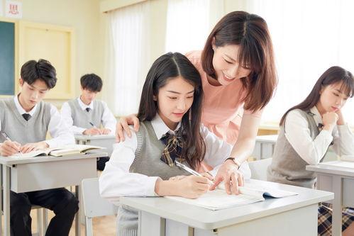"""同时,希望广大教师和教育工作者虚心向最美教师和教书育人楷模学习,清廉从教,为人师表,立德树人,潜心教学,做党和人民满意的""""四有好老师""""。"""