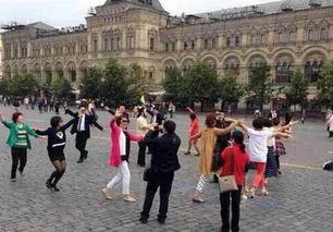 中国大妈把广场舞跳到莫斯科红场