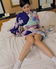 日本少妇一个人在家做什么