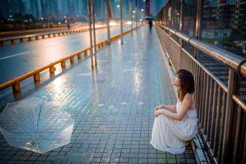 下雨天又累的说说心情短语