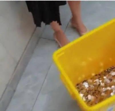 6000元离职赔偿金全是硬币是否涉嫌侮辱