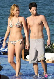 欧美明星们的海滩比基尼造型 是胖是瘦大胆show