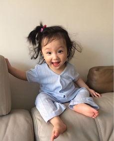 洪欣张丹峰女儿近照