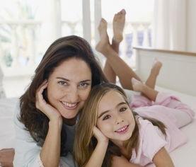 靠近母亲生活的女性更容易怀孕