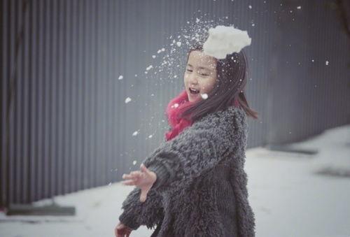 孙莉晒与儿女玩雪照 太美了