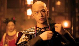 流浪地球饰演刘启的屈楚萧,不炒作很低调,未来被王传君看好屈楚萧