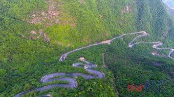 走吧自驾游 这个仅有20户人家的村落,需自驾65个弯,常年云雾缭绕