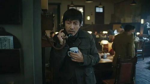 张鲁一演《红色》的徐天时,用小陶虹的话说:徐天这个角色是很多男演员渴望的,到了《新世界》的铁林呢,一切都跟完美徐天的人设反着来.
