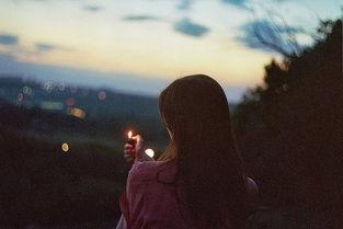 孤单少女唯美意境背影图片