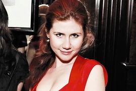 俄被捕间谍中有个高知美女