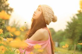 潘霜霜夏日写真令人沉醉 花仙子造型惹人爱