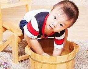 几岁儿童适合热水泡脚(小孩可以每天用热水泡)