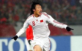 邓卓翔在成为国足核心之后,表现也没有辜负恩师高洪波器重.