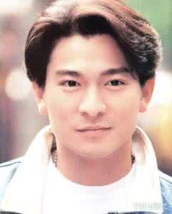 那些从年轻帅到老的60年代出生的香港男明星,你们是打算帅一辈子吗 有一位原来是混血儿