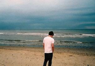 伤感落寞的男生背影图片 转身那一霎那 我注定了孤单