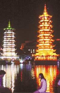 桂林一水抱城流 新添景色甲天下