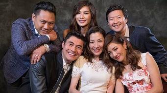 它就是25年一遇的好莱坞全亚裔阵容电影——《疯狂的亚洲富豪》(crazyrichasians),从导演到演员,统统都是亚裔!