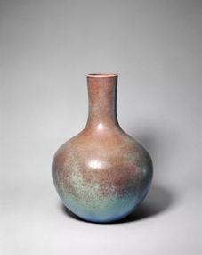 雍正款仿钧新紫釉天球瓶