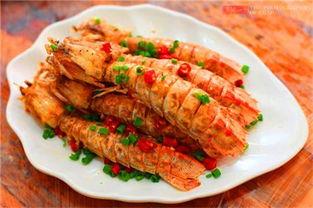 提到三亚人们第一个想到的就是这里的海鲜,来三亚不吃海鲜那真的等于白来了,再加上这个季节是三亚海鲜最肥美的时候,