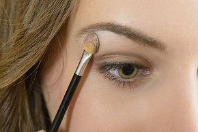 自带眼影的怎么化妆