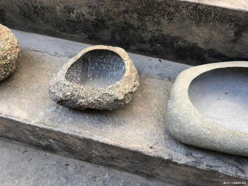 石头怎么挖洞养花