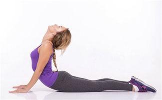 瑜伽翘臀的动作