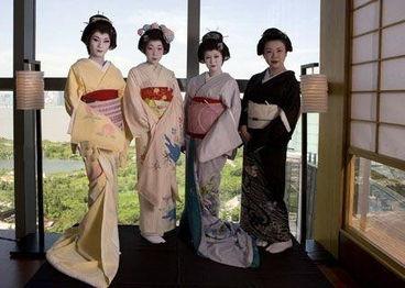 日本艺伎风情万种的生活(组图)