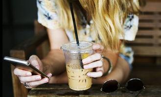 代喝一杯奶茶进账25元,代经济背后的生意经