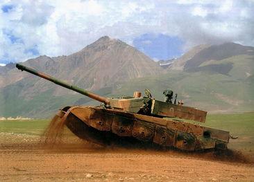 资料图:99式坦克猛照.