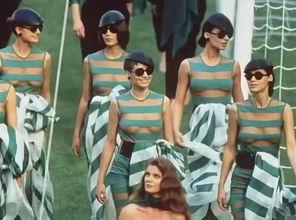 意大利人用这样一场惊艳的开幕式将时尚,浪漫播撒到了全世界.