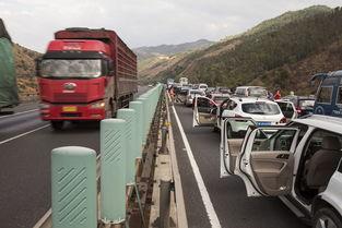 清明高速堵车怎么打发时间
