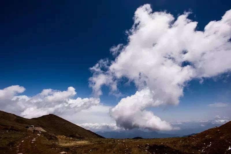 生命里,总会有一朵祥云为你缭绕