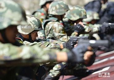 广东精锐军警集训对抗霸气场面6672469