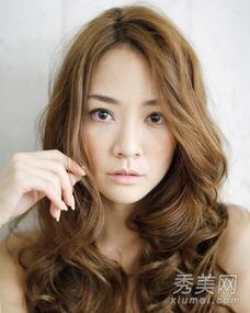 长脸适合什么发型 长发修颜更胜短发