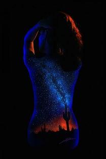 身体里的宇宙 国外艺术家精妙绝伦的人体光绘欣赏