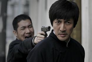 今年由张鲁一主演的年代大戏《乱世书香》,在豆瓣评分中同样表现抢眼,张鲁一也成为荧屏高智商抗战男神的代名词.