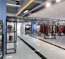 广州批发市场女装进货在哪里(广州的服装批发市场在)