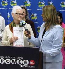 幸运饼藏 大奖 美国老妇 吃 出200万美元
