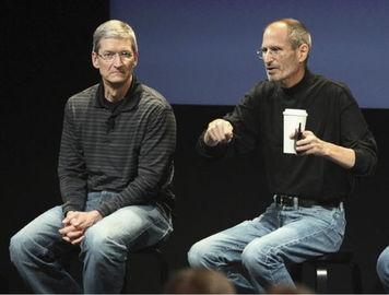 苹果ceo库克与苹果创始人乔布斯